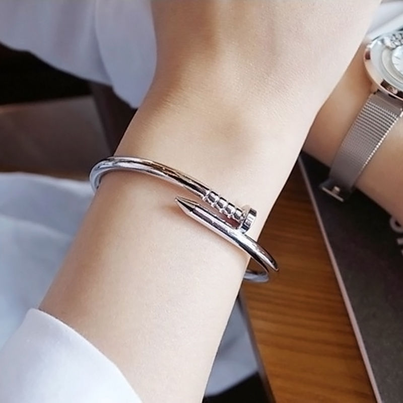 Bracelet tendance the trendy store - Clou tapissier pas cher ...