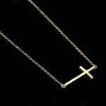 collier croix bijoux trendy