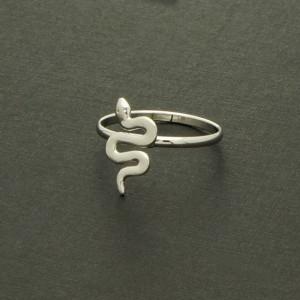 bague serpent argenté