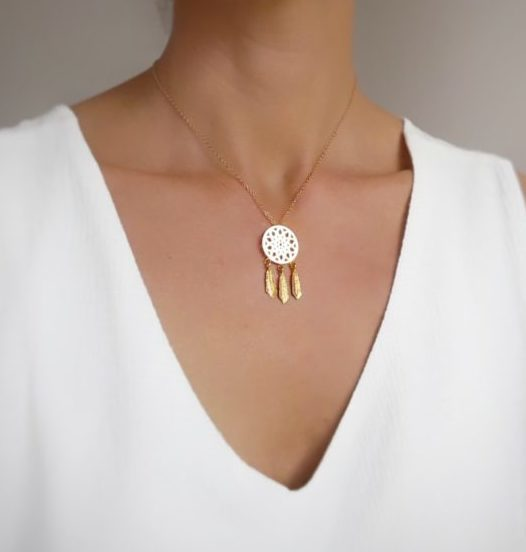 collier attrapereves femme