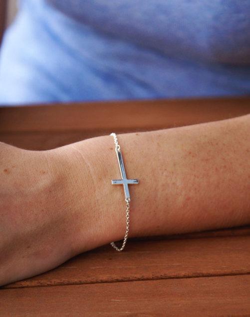 bracelet croix pas cher