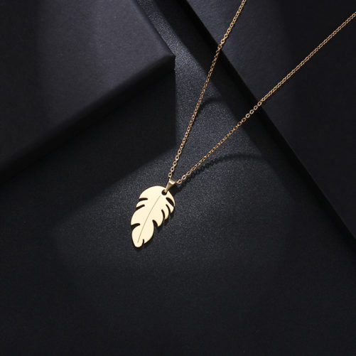 collier feuille cadeau