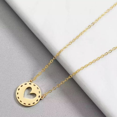 collier medaille coeur dore